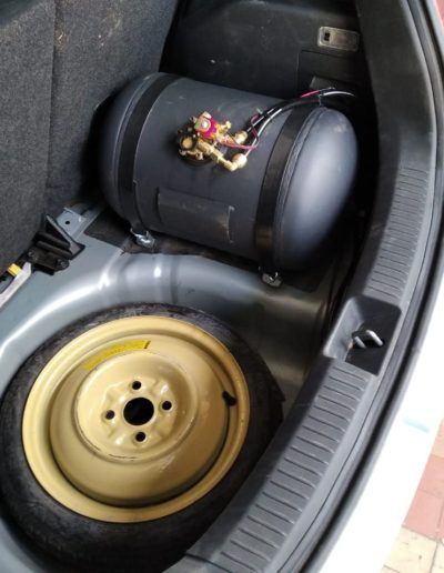Mazda Demio ГБО